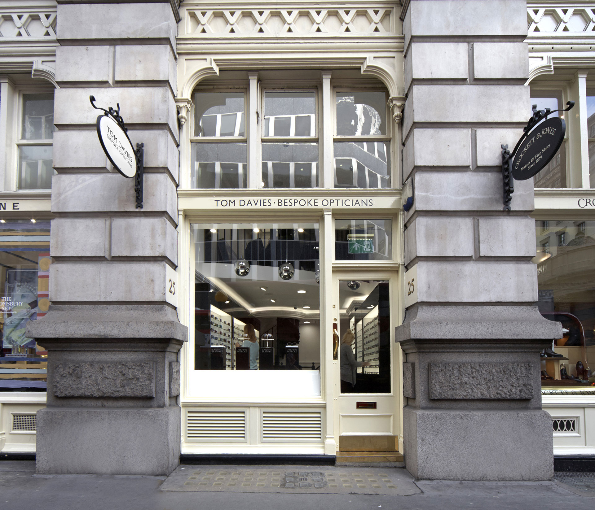 Tom Davies Bespoke Opticians in Royal Exchange
