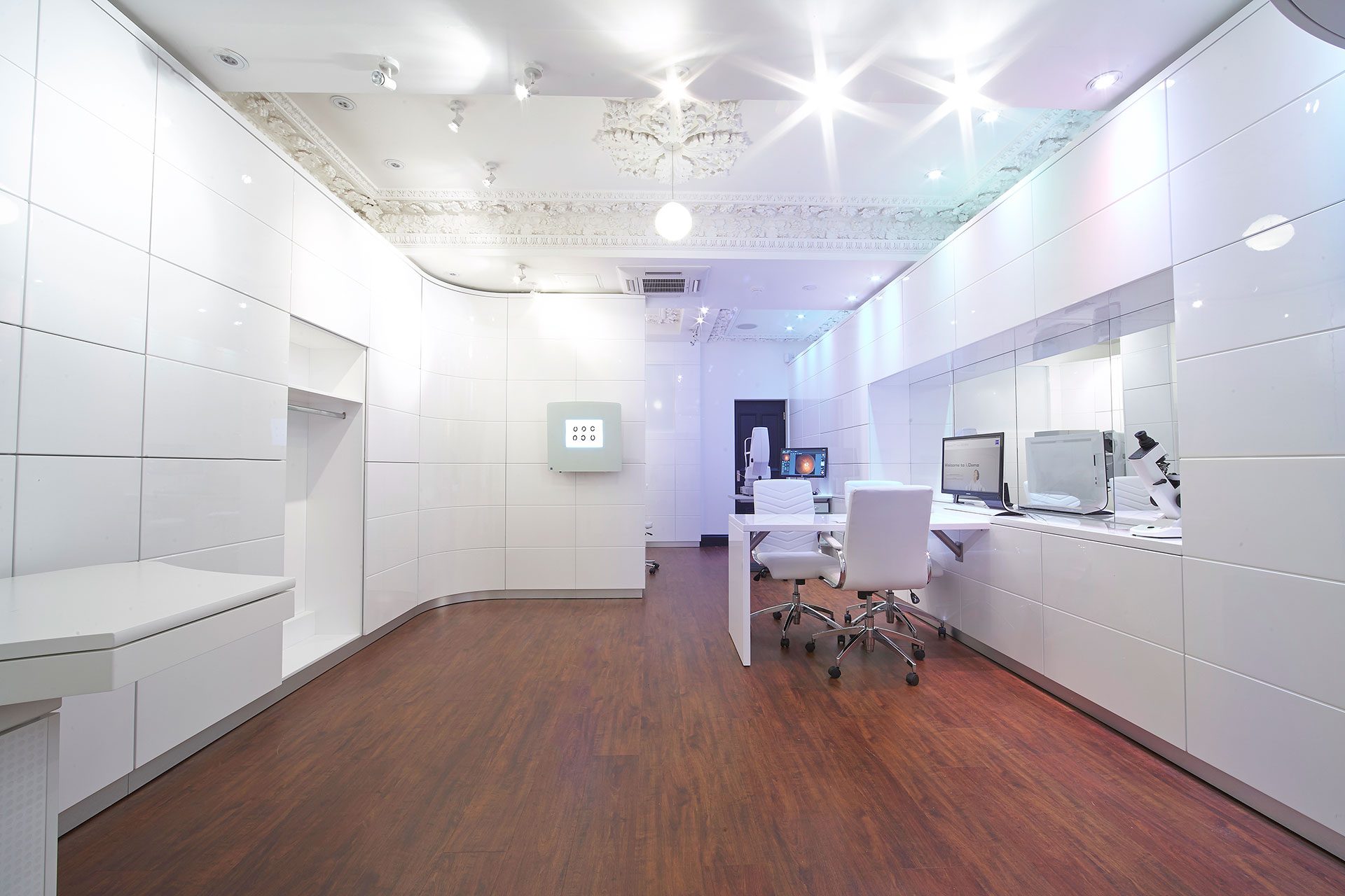 Diagnostic equipment by ZEISS in Tom Davies Vision Clinic in Sloane Square