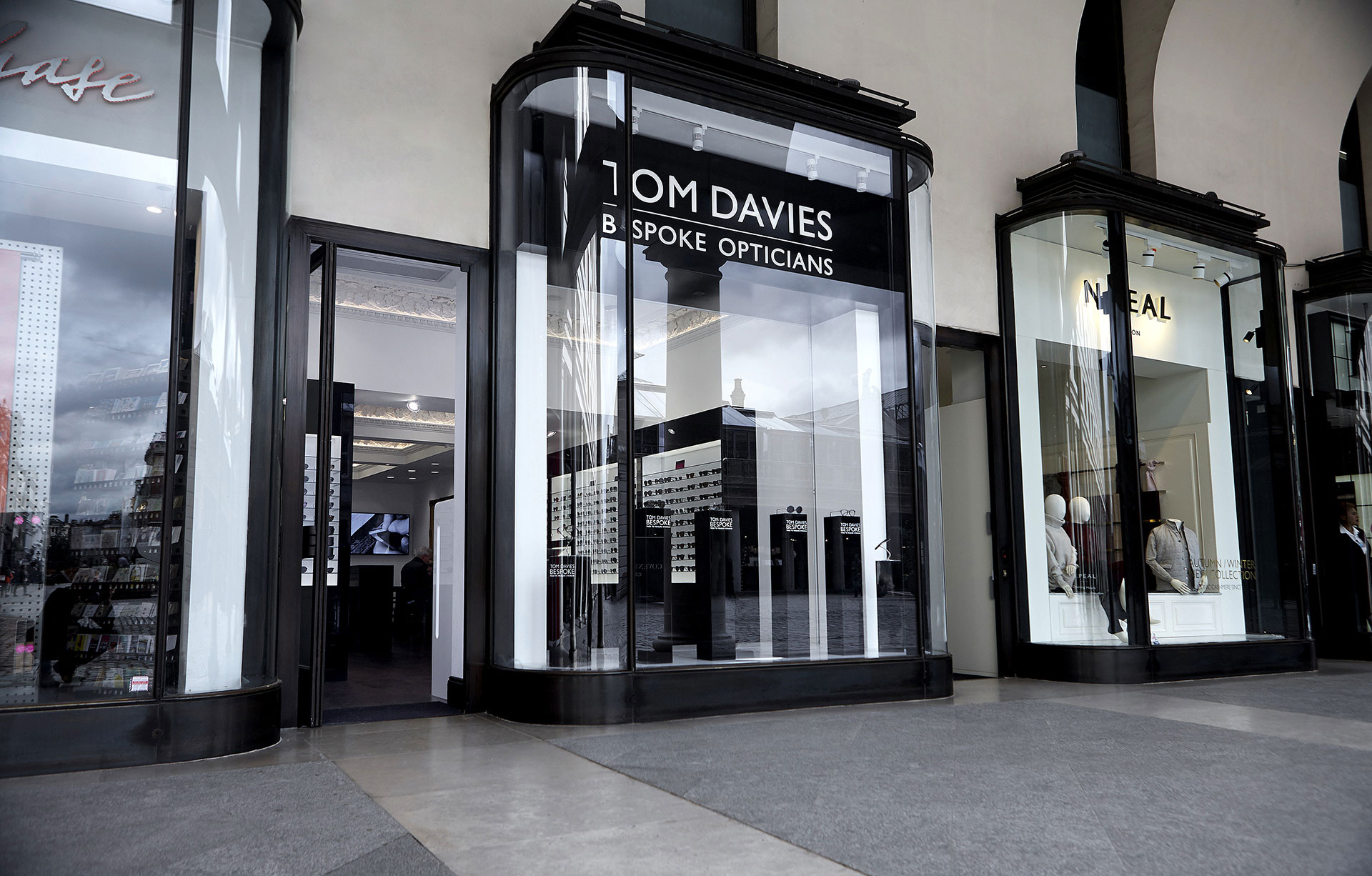 Store front of Tom Davies Bespoke Opticians in Covent Garden